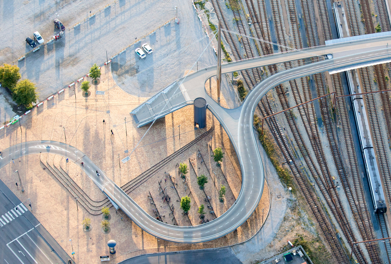 gottlieb_paludan_architects_byens_bro_odense_stibro_bridge_cyklister_aerial_photo_1