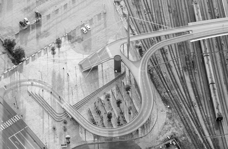 gottlieb_paludan_architects_byens_bro_odense_stibro_bridge_cyklister_aerial_photo_0