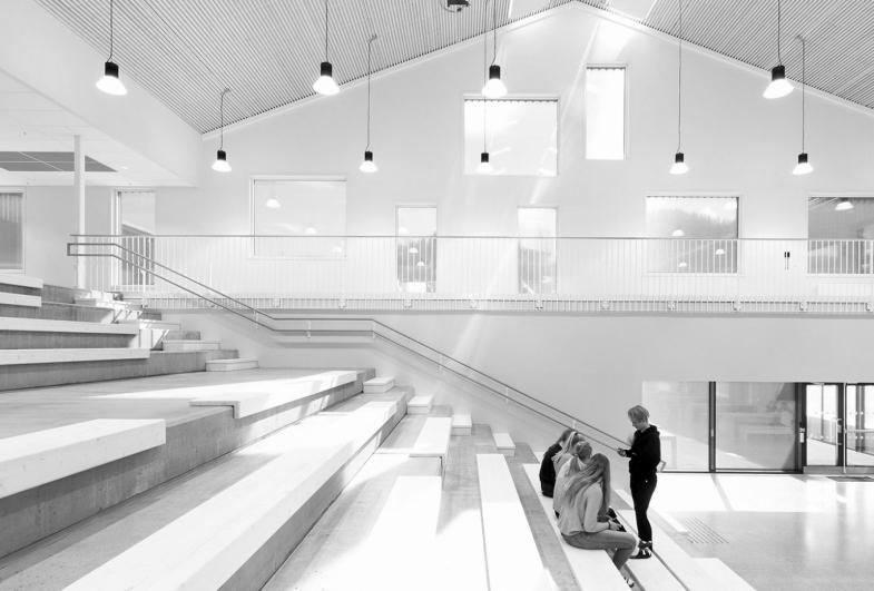 Hommelvik secondary school, Interior architecture
